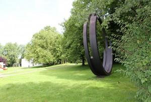 Skulpturenpark-Köln Bernar Venet Four Arcs 1999