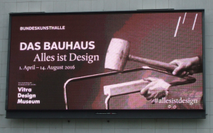 Bauhaus Anzeigetafel BKH